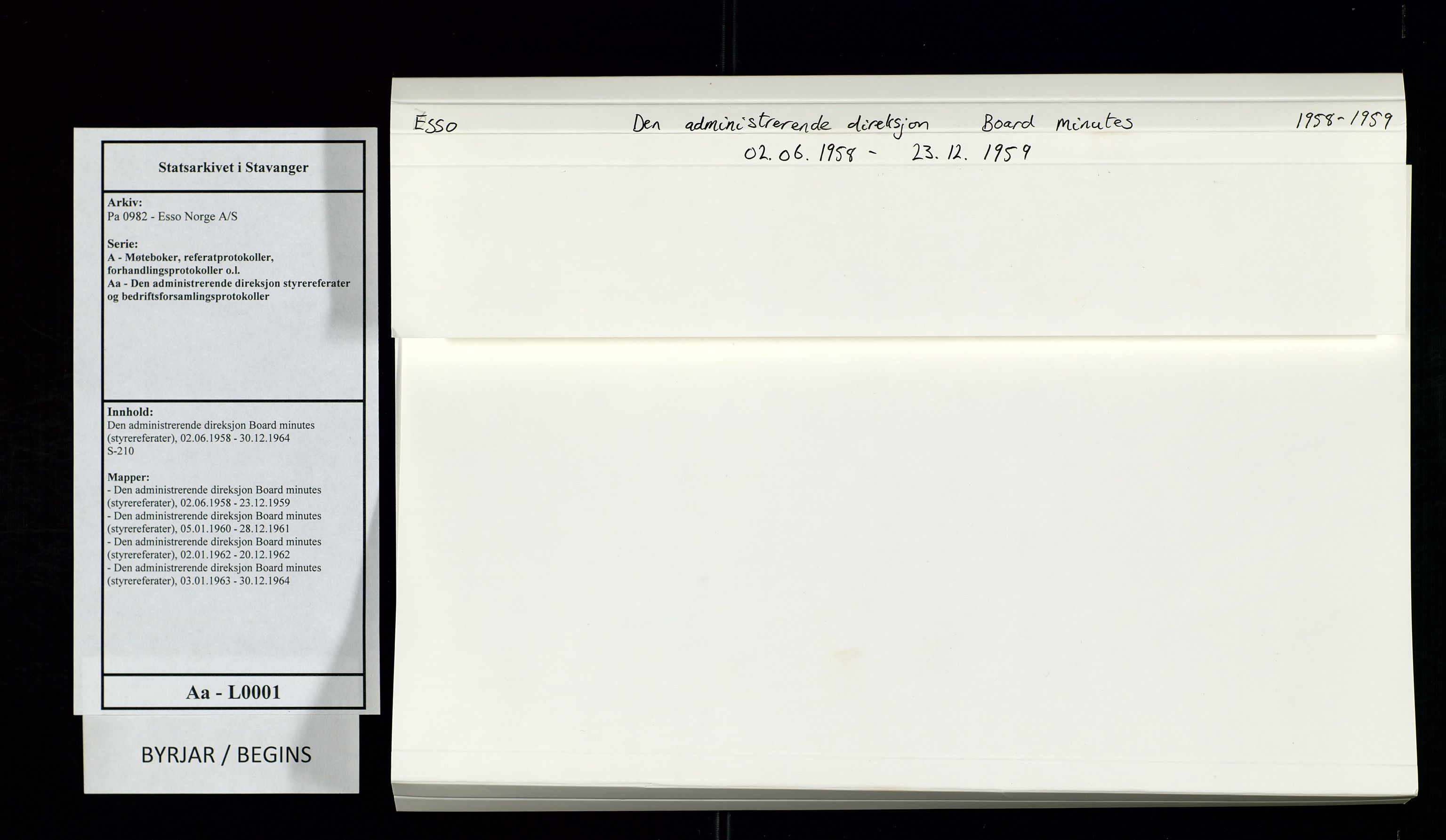 SAST, Pa 0982 - Esso Norge A/S, A/Aa/L0001: Den administrerende direksjon Board minutes (styrereferater), 1958-1959, s. upaginert