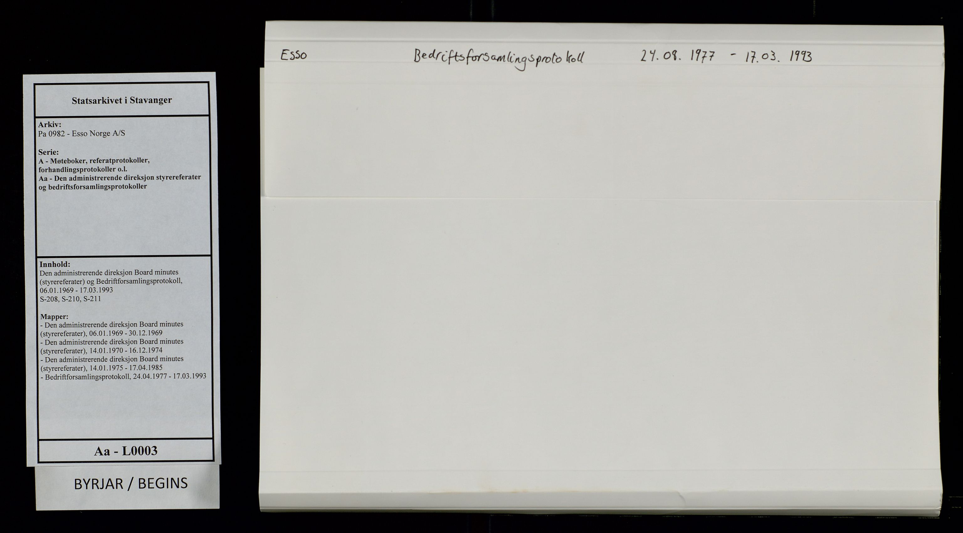 SAST, Pa 0982 - Esso Norge A/S, A/Aa/L0003: Den administrerende direksjon Board minutes (styrereferater) og Bedriftforsamlingsprotokoll, 1977-1993, s. 1