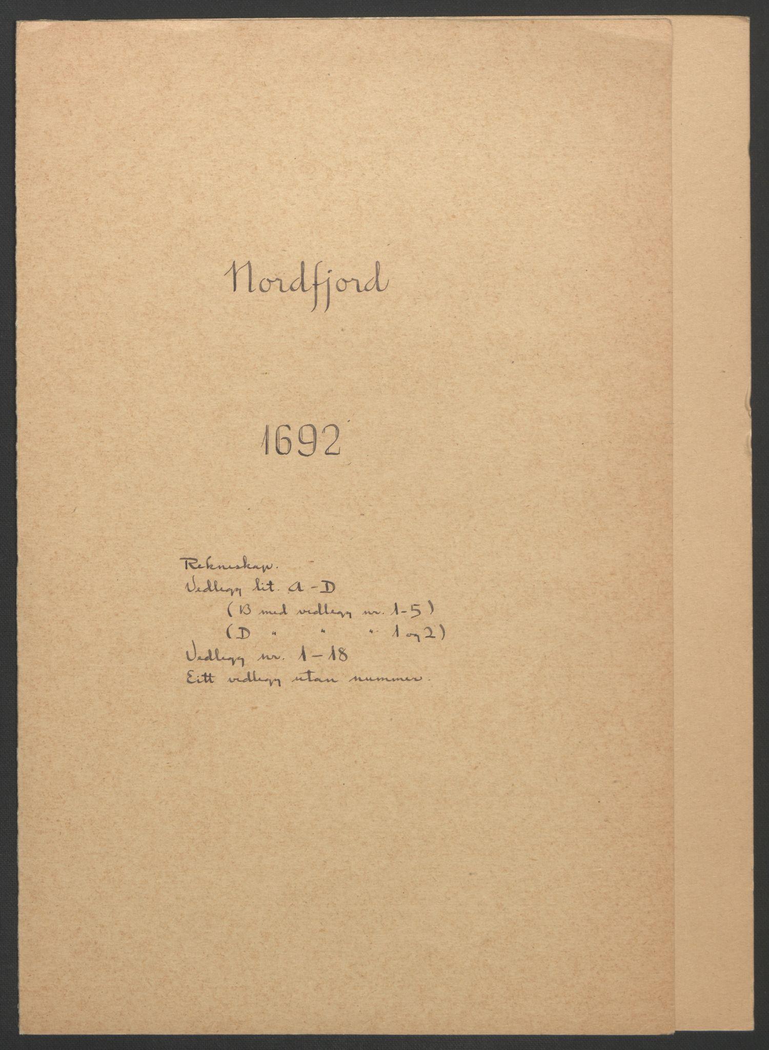 RA, Rentekammeret inntil 1814, Reviderte regnskaper, Fogderegnskap, R53/L3420: Fogderegnskap Sunn- og Nordfjord, 1691-1692, s. 284