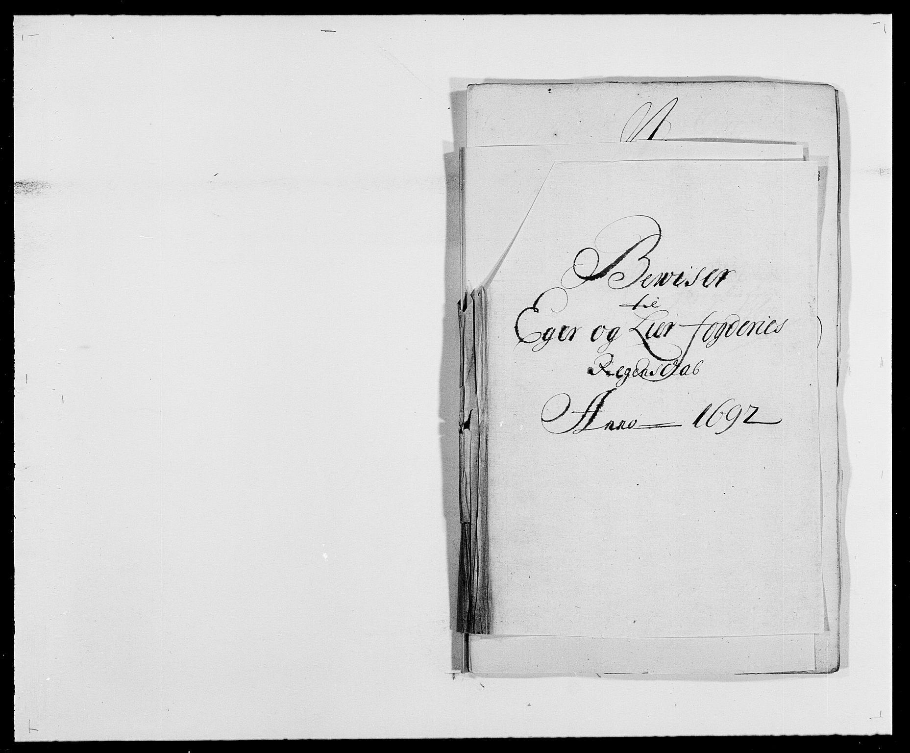 RA, Rentekammeret inntil 1814, Reviderte regnskaper, Fogderegnskap, R28/L1690: Fogderegnskap Eiker og Lier, 1692-1693, s. 99