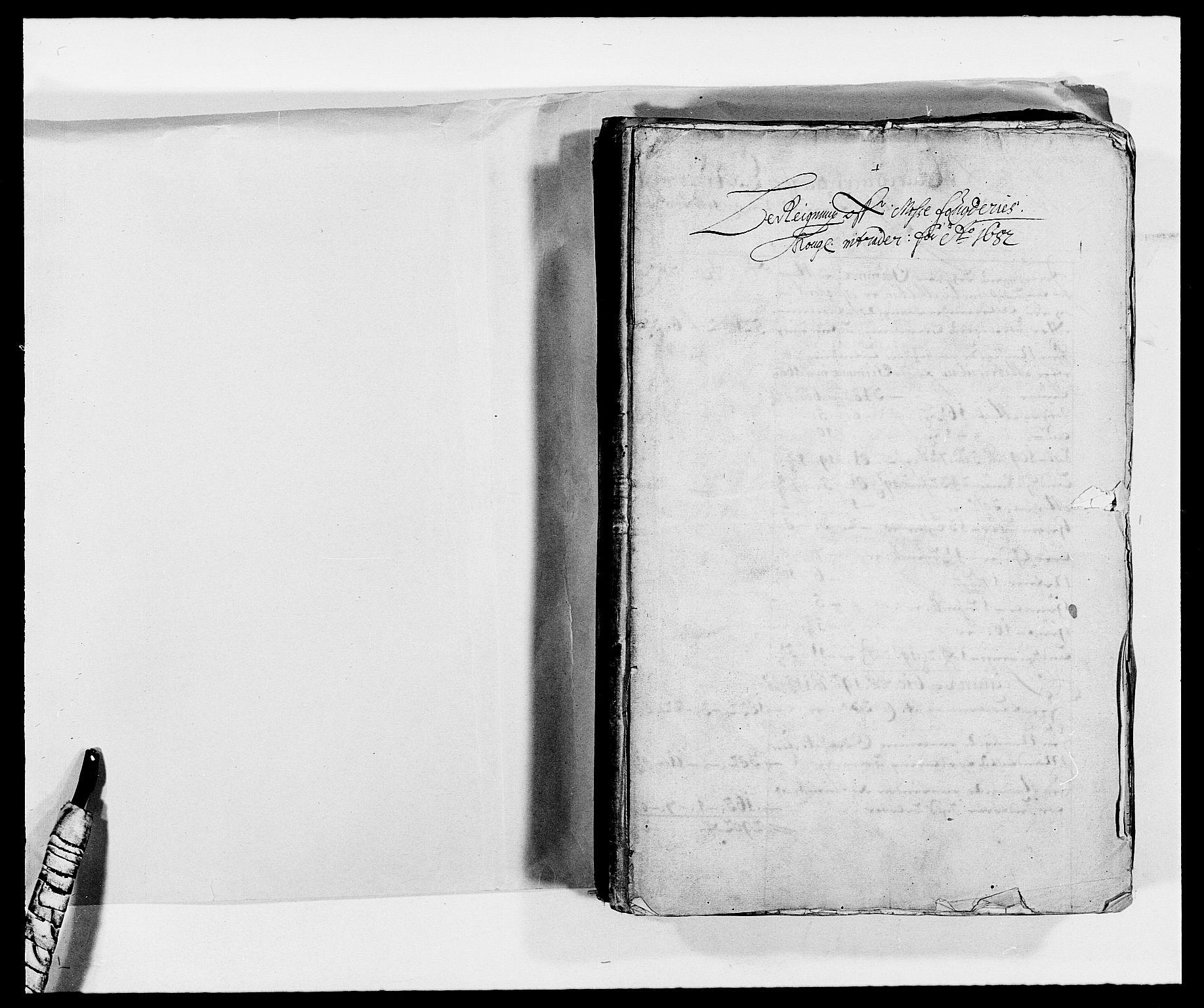 RA, Rentekammeret inntil 1814, Reviderte regnskaper, Fogderegnskap, R02/L0103: Fogderegnskap Moss og Verne kloster, 1682-1684, s. 2
