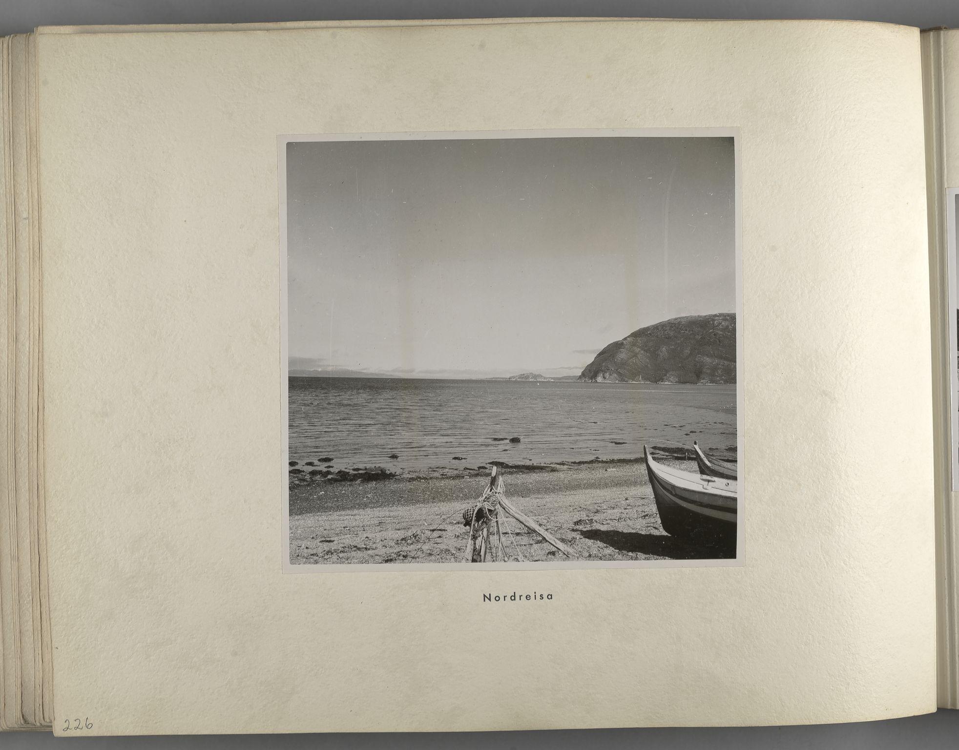 RA, Tyske arkiver, Reichskommissariat, Bildarchiv, U/L0071: Fotoalbum: Mit dem Reichskommissar nach Nordnorwegen und Finnland 10. bis 27. Juli 1942, 1942, s. 92