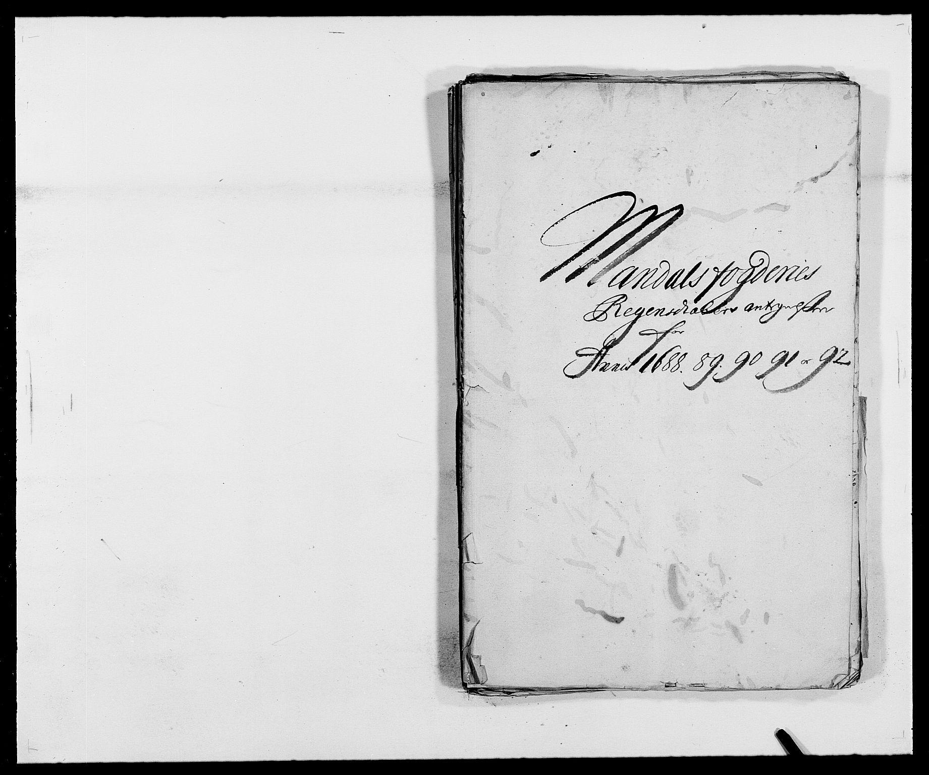 RA, Rentekammeret inntil 1814, Reviderte regnskaper, Fogderegnskap, R42/L2544: Mandal fogderi, 1692-1693, s. 92